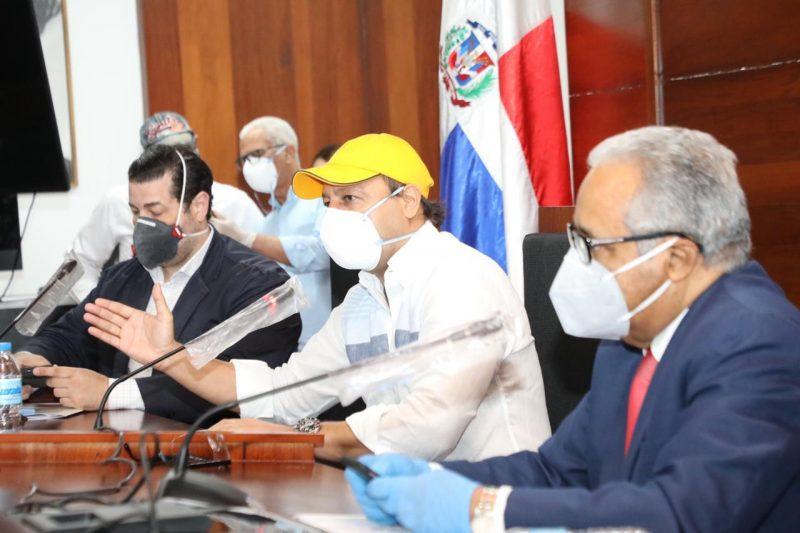 Ministro de Salud Pública y el asesor médico del Poder Ejecutivo destacan labor positiva alcalde Abel Martínez ante pandemia