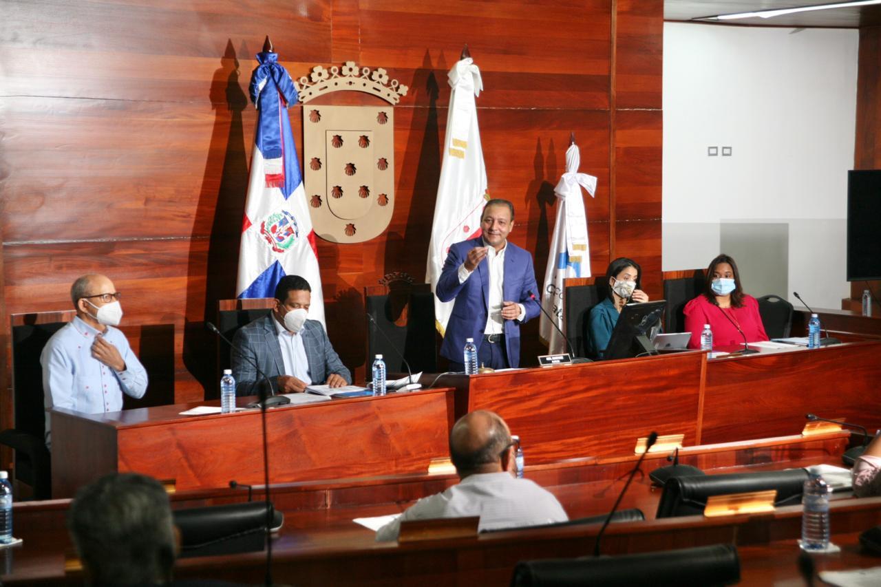 En este momento estás viendo Alcalde Abel Martínez destaca importancia en la transparencia procesos de compras y contrataciones