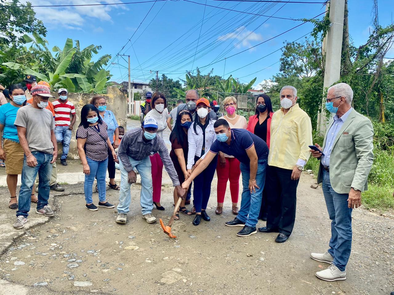 Ayuntamiento de Santiago inicia nuevas obras en Llaverías, La Herradura y Corona Plaza