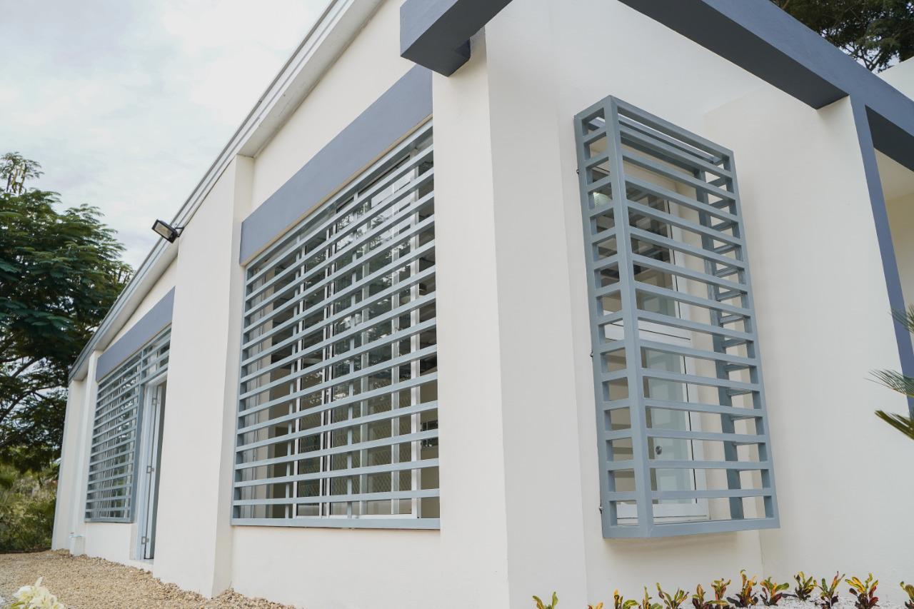 Abel Martínez inaugura moderno centro de capacitación en Las Caobas; obra construida con Presupuesto Participativo
