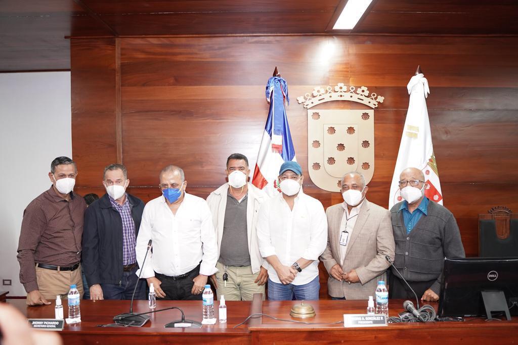 Abel Martínez se reúne con Plutarco Arias ministro de Salud Pública; acuerdan seguir trabajando unidos contra Covid-19