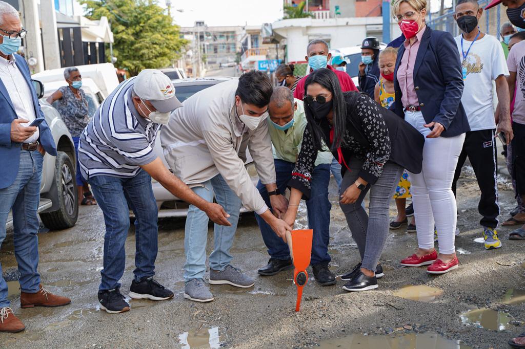 Ayuntamiento de Santiago inicia nuevas obras en tres comunidades de la zona sur del municipio