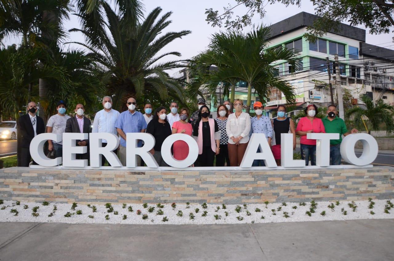 Alcaldía Santiago entrega trabajos de embellecimiento en Cerro Alto