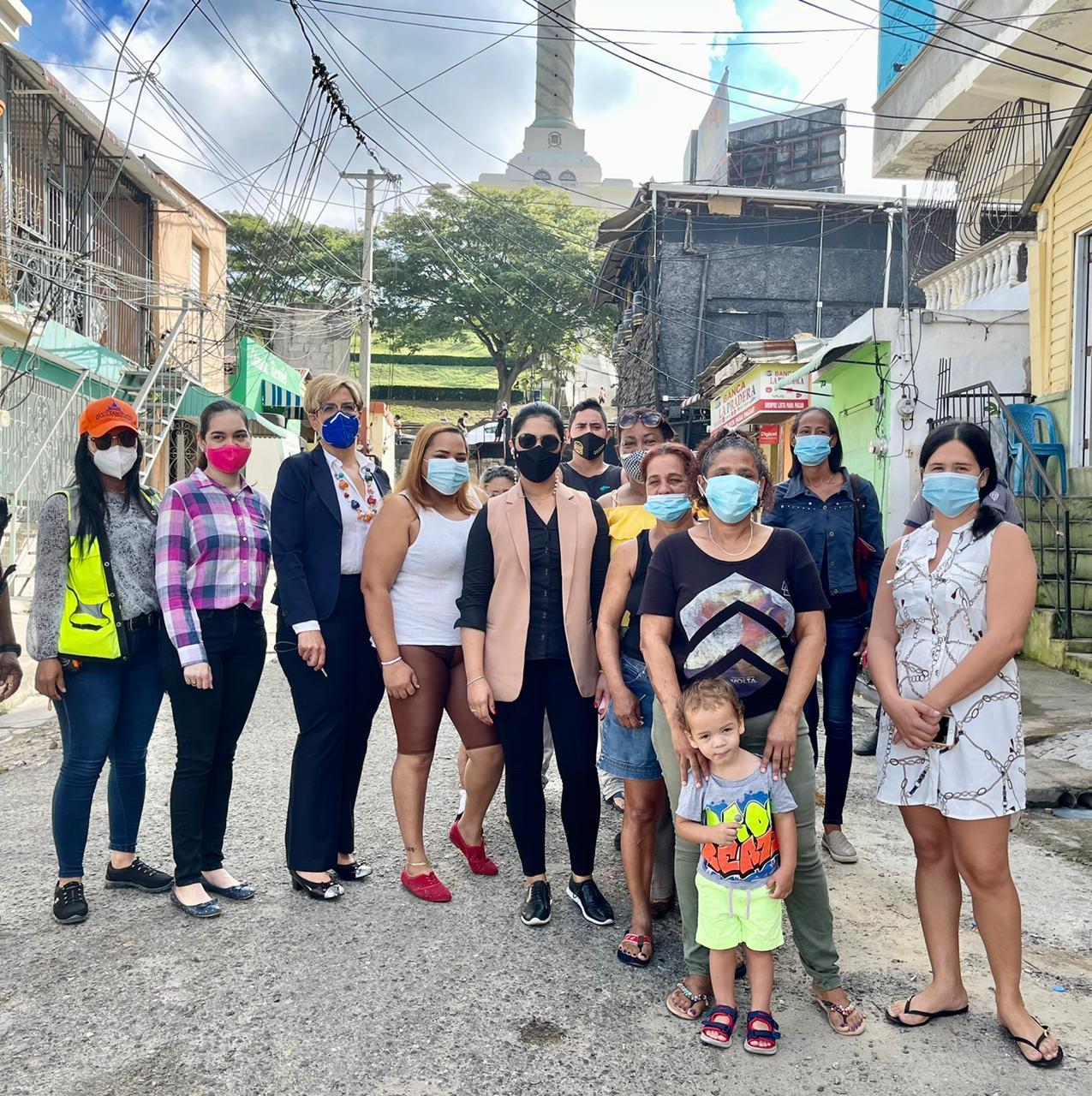 Ayuntamiento de Santiago inicia embellecimiento de área contigua al monumento en el centro de la ciudad