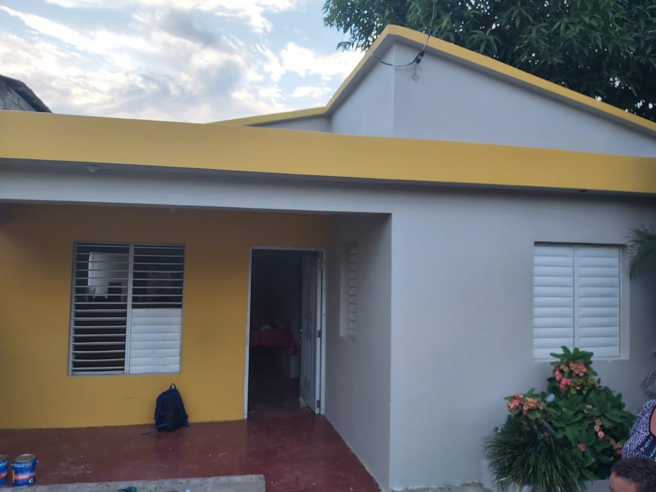 Gran labor social alcalde Abel Martínez beneficia a familias pobres con reparaciones de viviendas