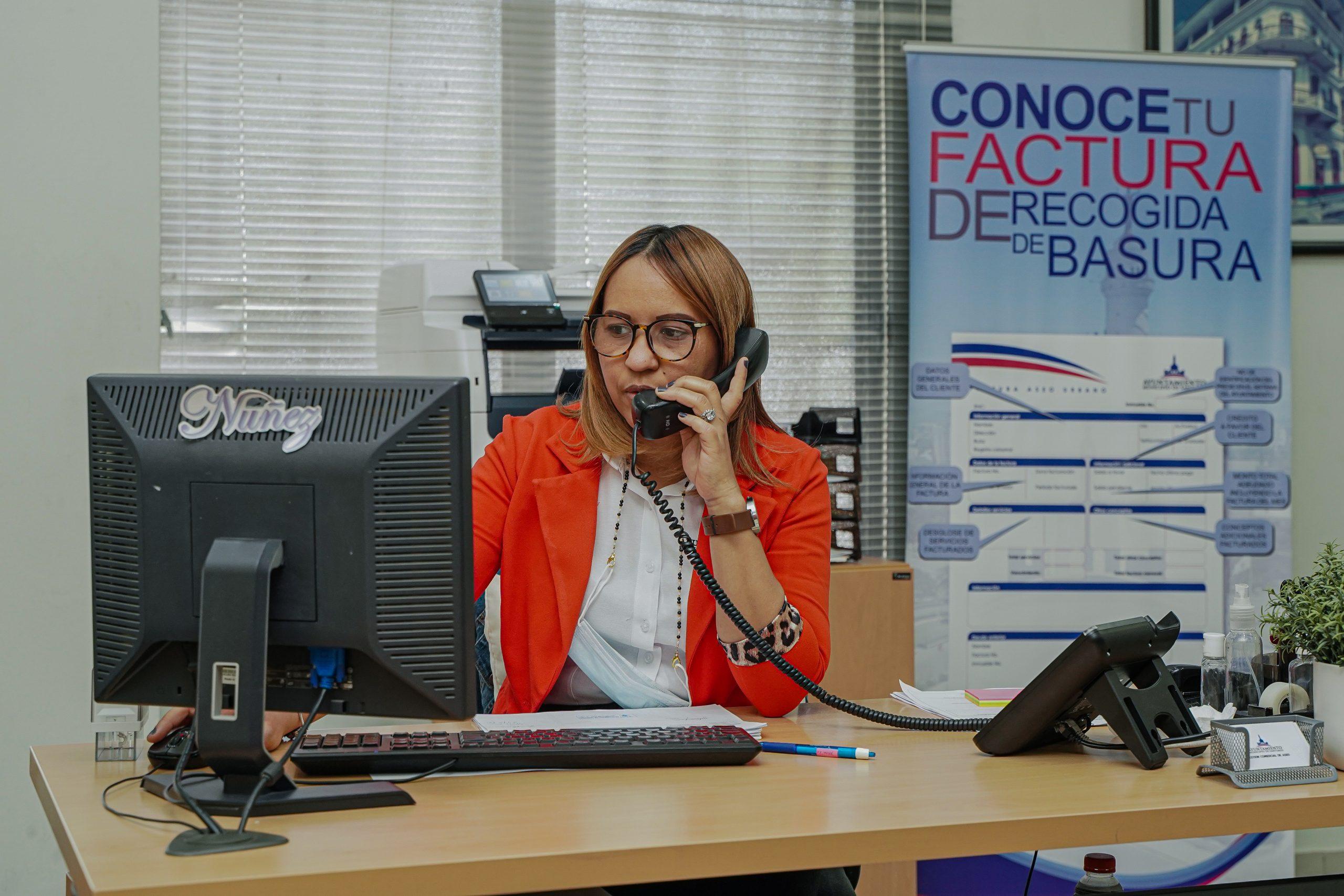 Personal en nómina Ayuntamiento de Santiago cumple horario y trabaja en beneficio de la ciudad