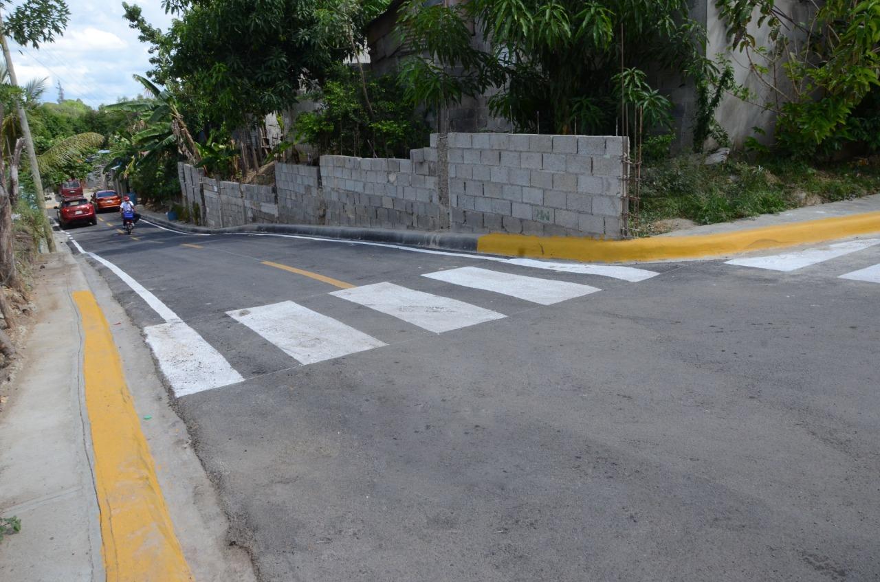 Alcaldía Santiago deja atrás el polvo y el lodo en Arroyo Hondo al Medio