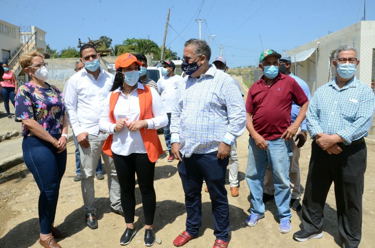 Ayuntamiento de Santiago entrega obras del Presupuesto Participativo en Corona Plaza