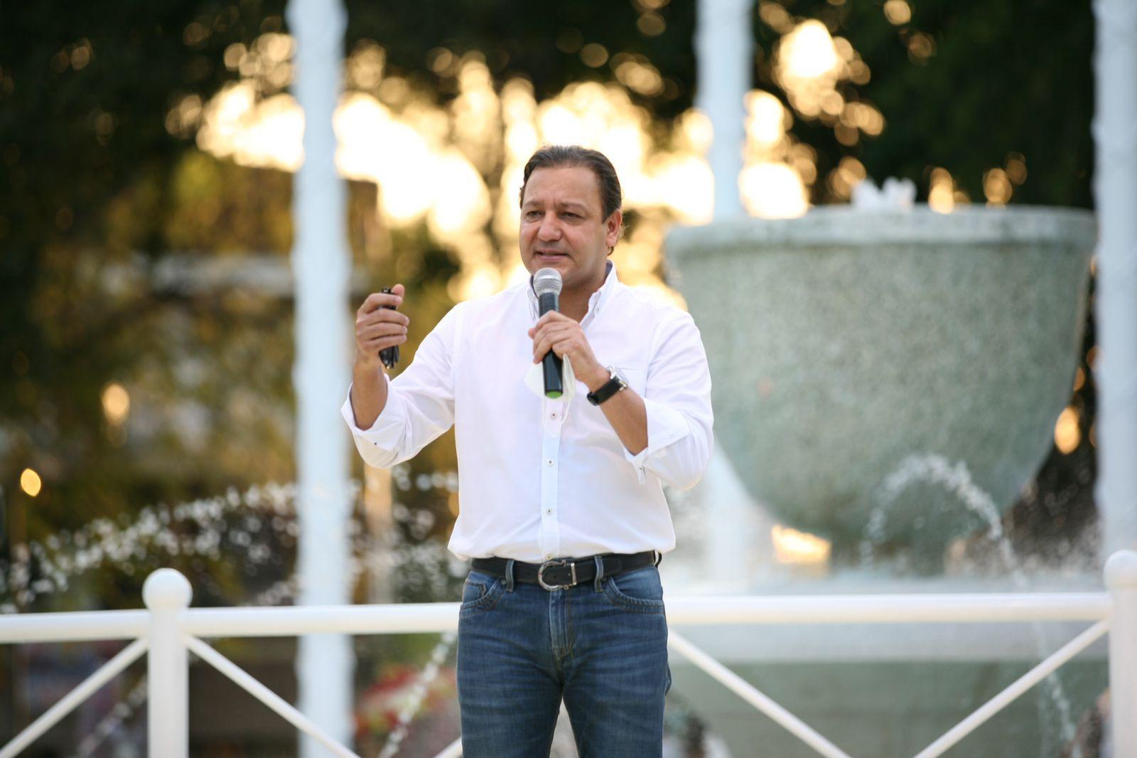Abel Martínez entrega completamente remozado el parque Plaza Valerio