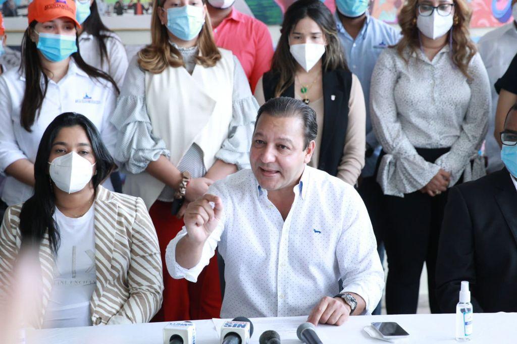 Abel Martínez asegura ayuntamientos están al borde del colapso por alzas en materiales de construcción y otros insumos ferreteros