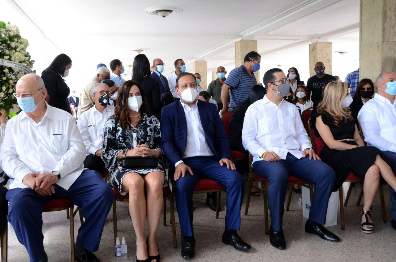 Alcalde Abel Martínez y miembros del Concejo Municipal rinden honores a fenecido ex alcalde José Enrique Sued