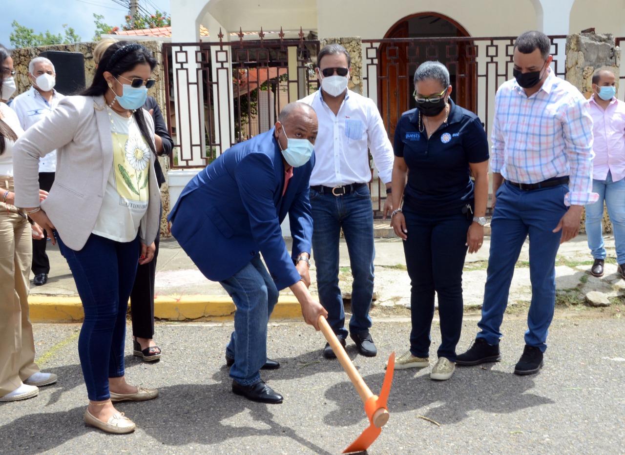 Alcaldía Santiago inicia trabajos solución pluvial en Cerro Hermoso