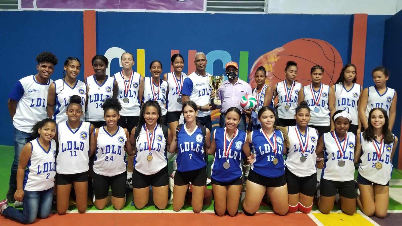 Lee más sobre el artículo La Delgada se corona campeón del IV torneo de voleibol Copa Alcaldía Santiago