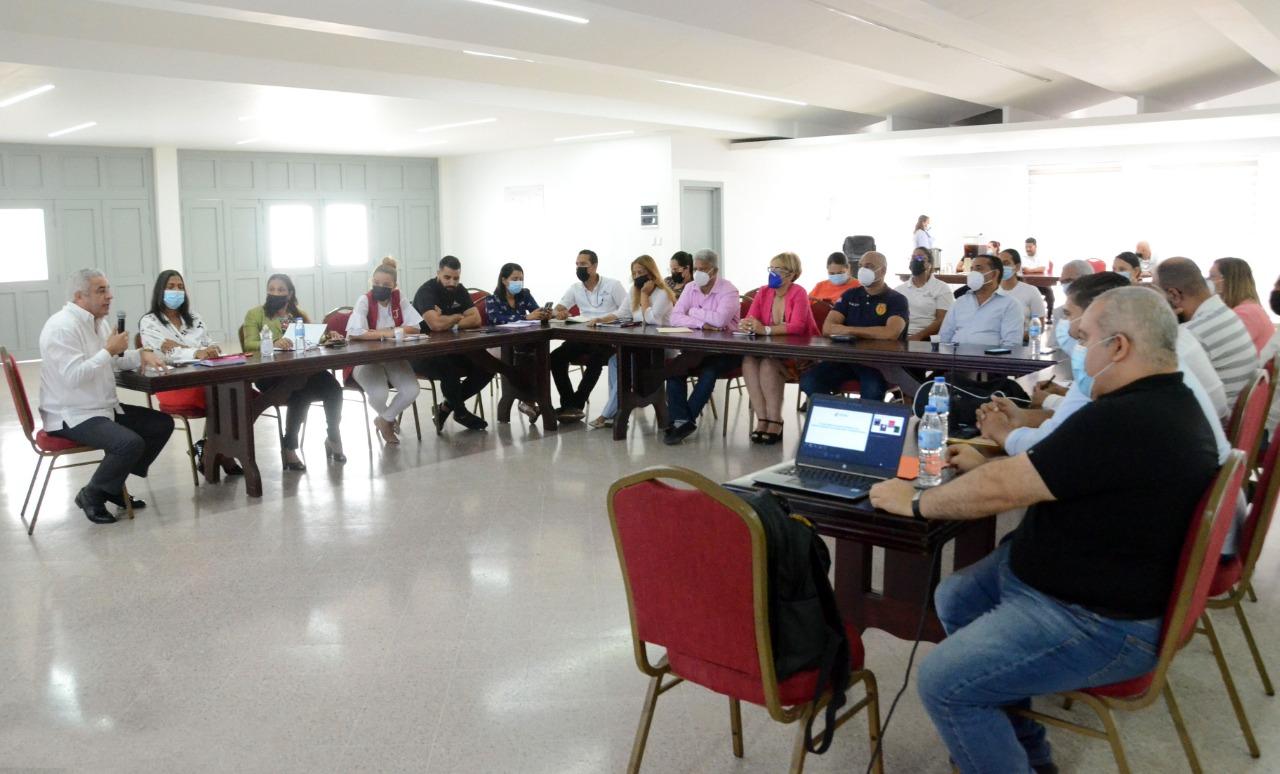En este momento estás viendo FEDOMU imparte taller a servidores municipales de Santiago sobre Plan Operativo Anual