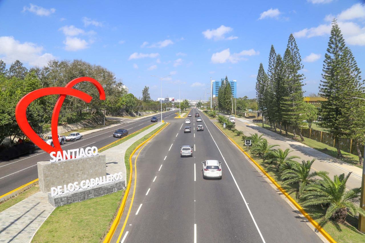 Lee más sobre el artículo Ayuntamiento de Santiago trabaja de forma simultánea en más de 30 obras en diversas comunidades