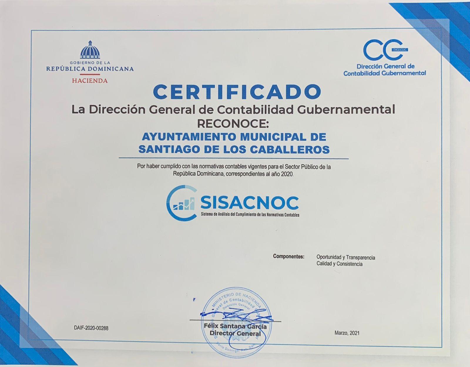 Lee más sobre el artículo Ayuntamiento de Santiago recibe certificación por buen desempeño en normativas contables