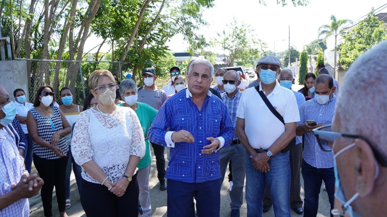 Lee más sobre el artículo Alcaldía Santiago inicia construcción de aceras, contenes y asfaltado en comunidad Flor de Oro, Gurabo
